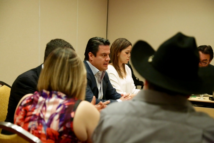 Gobernador inicia gira en EEUU; sostiene encuentro con FEDEJAL | Gobierno del Estado de Jalisco